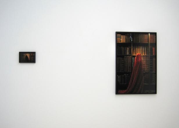 Güler Ates, vista da exposição 'Whispers of Colour' Kubik Gallery, Porto, 2014.
