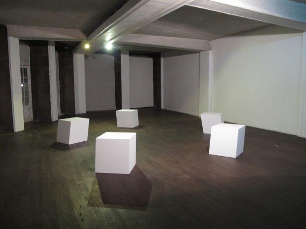 João Seguro, vista da exposição 'Geometria Silenciosa' no Laboratório das Artes, Guimarães, 2014.
