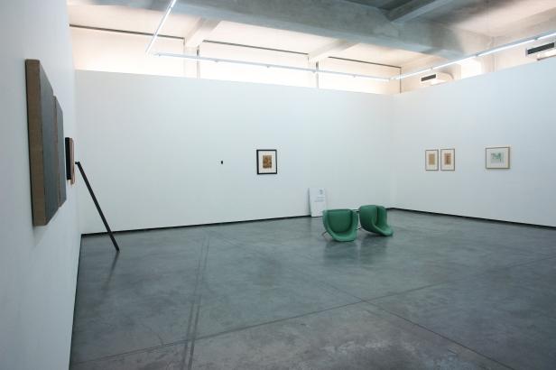Vista geral da exposição 'O Olho do Tigre - Obras da Colecção Sarmento'. Appleton Square, Lisboa, 2014. Cortesia de Appleton Square, Lisboa.