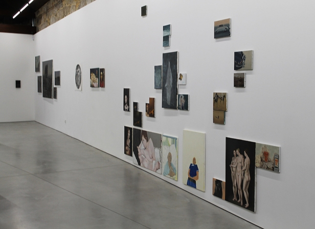 Vista geral da exposição 'Tudo é outra coisa' no Espaço Mira, Porto, 2014. Cortesia Espaço Mira.