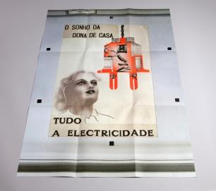 Margarida Correia, Tudo a electricidade, 2014. exposição Lei de Ohm no Museu da Eletricidade, Fundação EDP, Lisboa, 2014. © fotografia: Catarina Botelho e Rui Dias Monteiro.