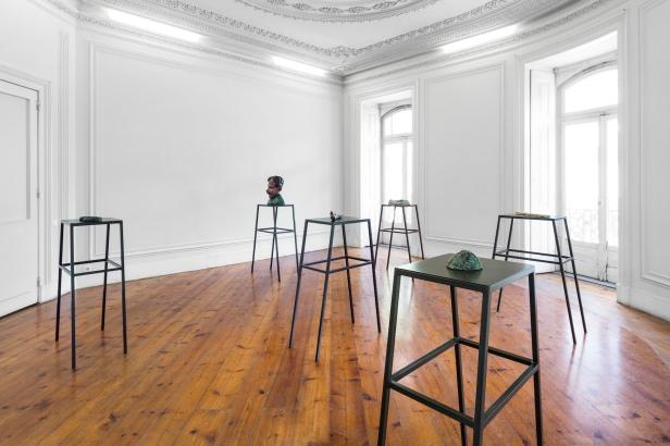 Musa paradisiaca, Audição das máquinas, Kunsthalle Lissabon, Lisboa, 2014 Vista de exposição Foto: Bruno Lopes. Cortesia dos artistas e Kunsthalle Lissabon.