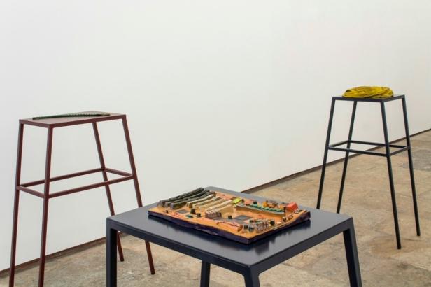 Vista da exposição (detalhe), Audição das flores, Musa paradisiaca Fotografia: Cortesia dos artistas e 3+1 Arte Contemporânea, Lisboa.