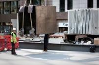 João Onofre, (montagem) escultura Box sized DIE featuring Unfathomable Ruination. Cortesia do artista e Cristina Guerra Contemporary Art.