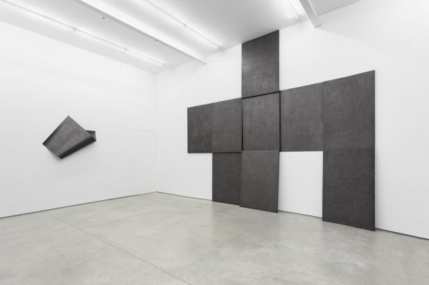 Diogo Pimentão, Collinear Breath, gallery installation view Galeria Múrias Centeno, 2014. Cortesia do artista e Galeria Múrias Centeno.
