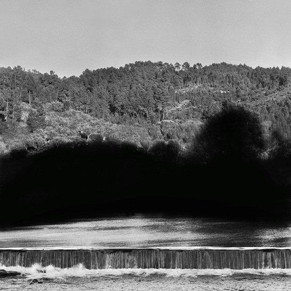 Exposição 'O espírito do lugar | Fotógrafos Contemporâneos' na Galeria Módulo. Cortesia Módulo, Lisboa.