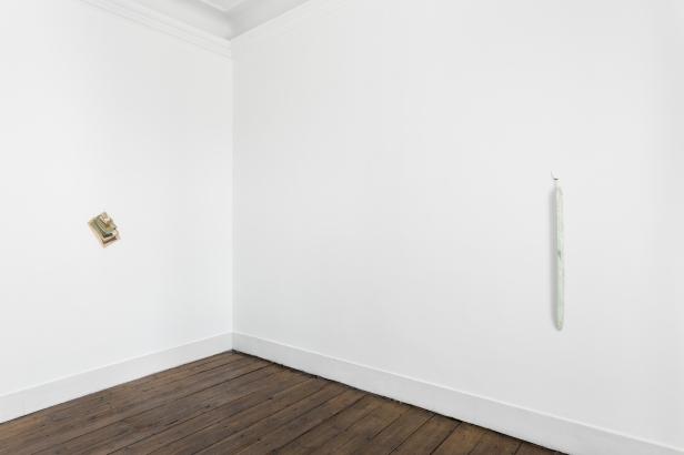 Vista da exposição 'Time scales' de Gabriela Albergaria, Vera Cortês Art Agency, Lisboa, 2014. Cortesia da artista e Vera Cortês Art Agency, Fotografia da exposição: Bruno Lopes.