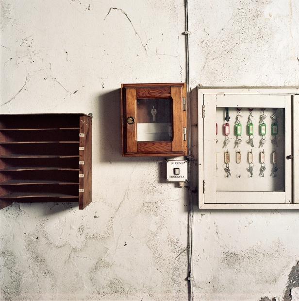 Hermano Noronha, da série + Essencial, 2012. Cortesia do artista e Fundação Robinson.