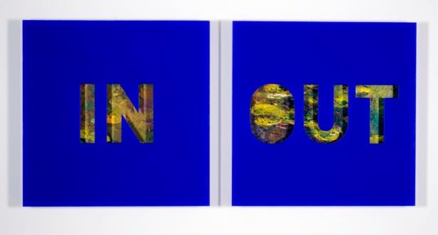 Pires Vieira, IN/OUT', Chapa acrílica recortada a óleo s/ tela, 103 X 103 X 9 (cada), 2008. Cortesia do artista.