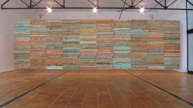 Rui Horta Pereira, vista da exposição Água e um pouco de areia fina. MAP - Museu de Arte Popular, Lisboa, 2014-2015. Cortesia do artista e Travessa da Ermida.