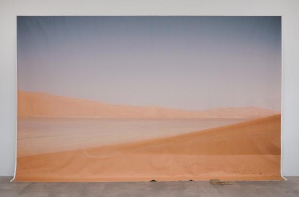 Amalia Pica, Endymion's Journey, 2011. Vista da exposicao na Marc Foxx Gallery, Los Angeles, 2011Cortesia da artista e de Marc Foxx Gallery, Los Angeles; Herald St, Londres;Johann König, Berlim.