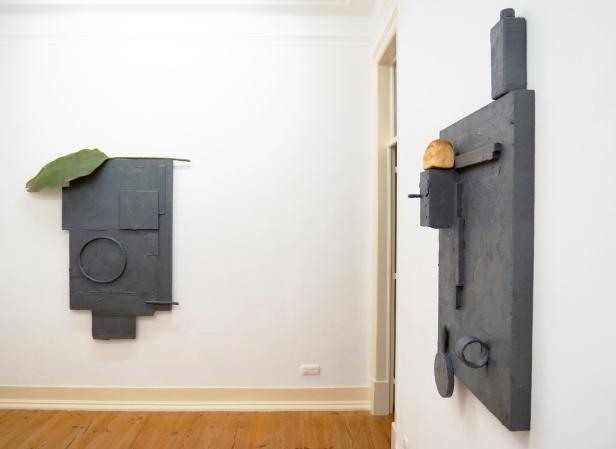 """Vista de exposição: sala 2. Pedro Valdez Cardoso exposição """"outra coisa"""". Galeria Caroline Pagès, Lisboa. Cortesia do artista e Galeria Caroline Pagès."""