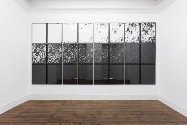 Detanico Lain, The Book of the Universe, 2015 24 x (80 x 60 cm) (each) C-print. Cortesia dos artistas e Vera Cortês Art Agency, Lisboa.