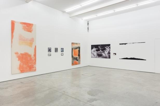 Gabriel Lima, Hanoi, Hanoi, 2015. Vista da exposição. Galeria Múrias Centeno, Lisboa. Fotografia Bruno Lopes. Cortesia do artista e Galeria Múrias Centeno.